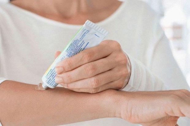Чем лечить псориаз на теле – эффективные наружные средства