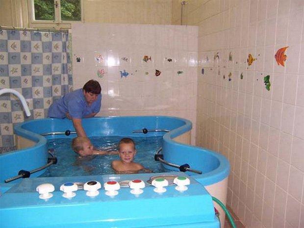 Можно ли в бассейн с псориазом и что для этого нужно